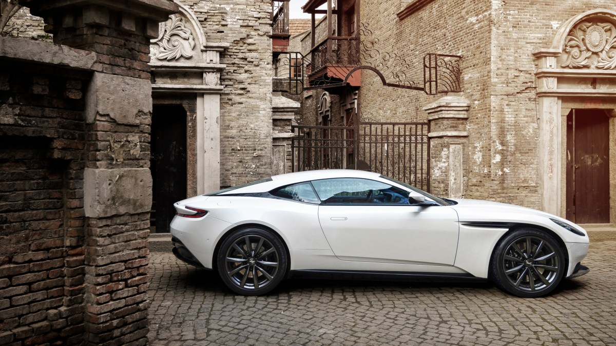 Aston Martin DB11 V8 Scoops What Car? Award